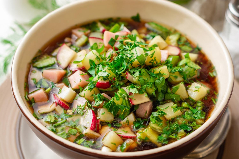 Ингредиенты для окрошки на квасе с колбасой