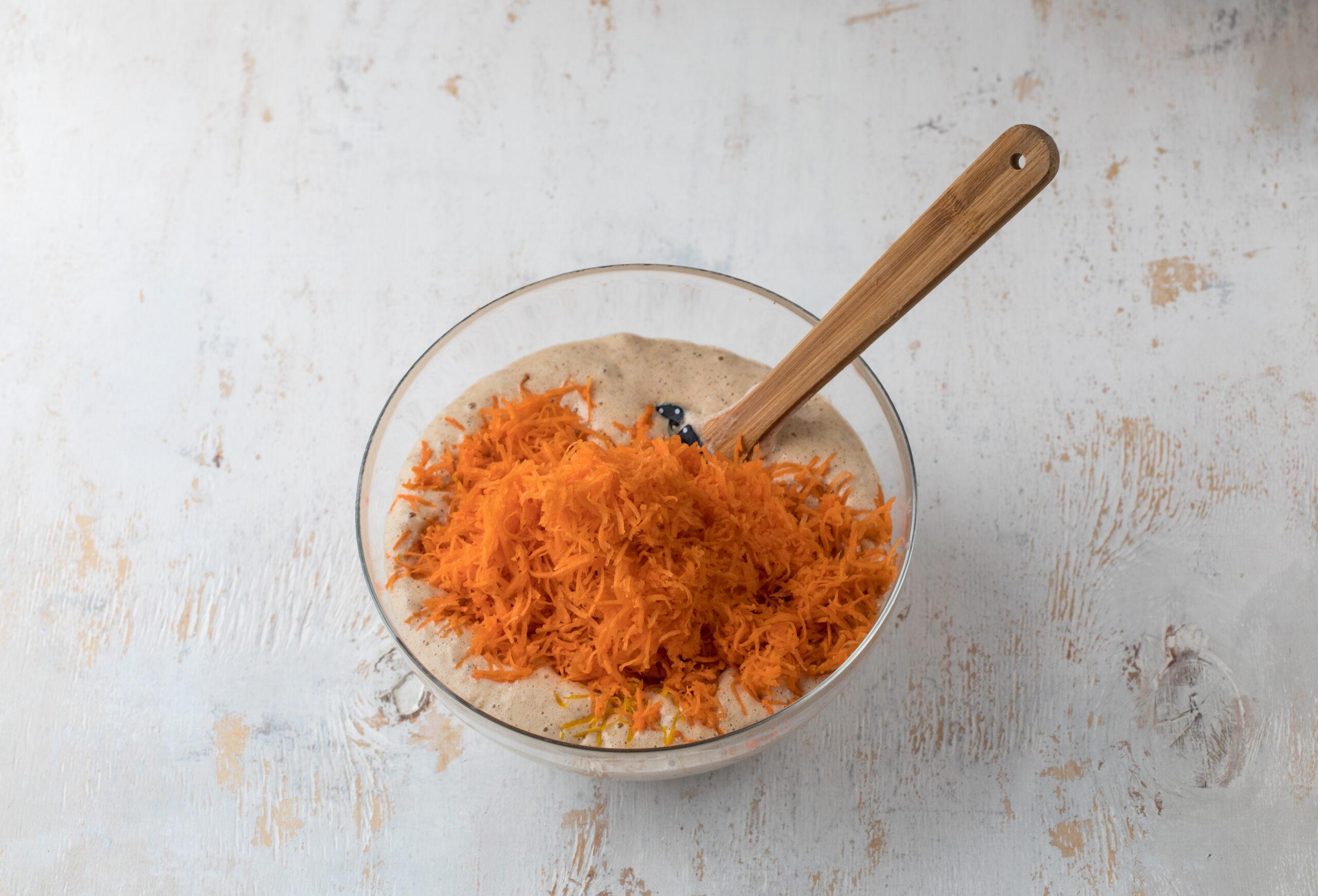 Морковный сладкий рулет