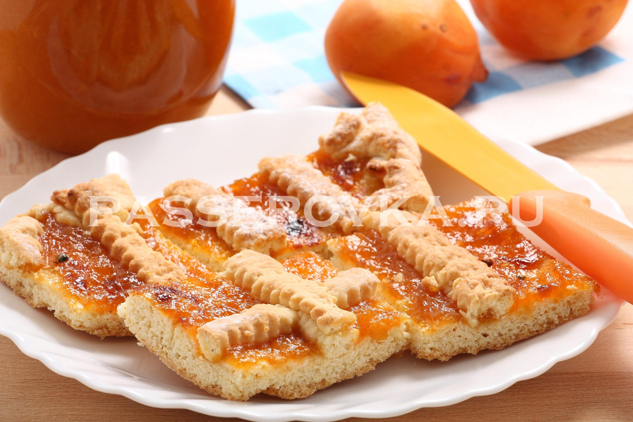 Пирог с вареньем на скорую руку в духовке самый простой
